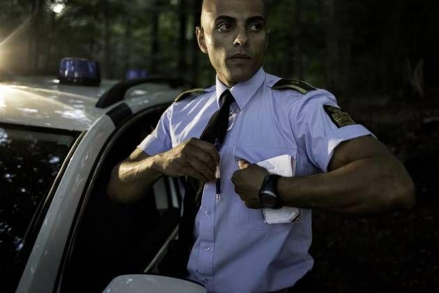 Politi. Politibetjent Mahmoud El-Hassan mener, at det er problematisk, at nydanskere i så høj grad er underrepræsenteret i politiet. Foto: Peter Klint