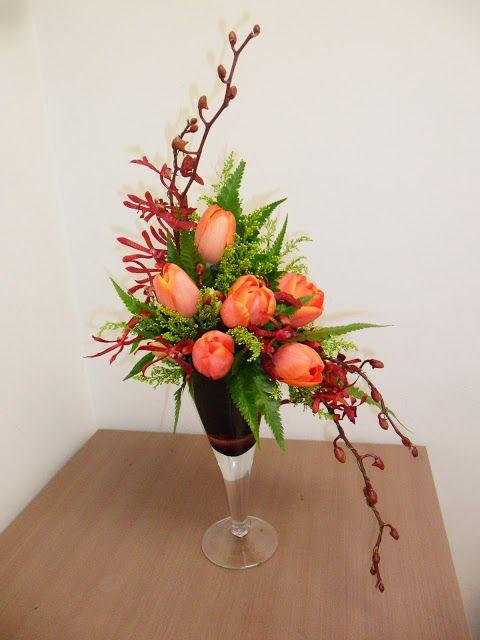 """1+1=3: Western flower arrangement lesson 4- """"S"""" shape"""