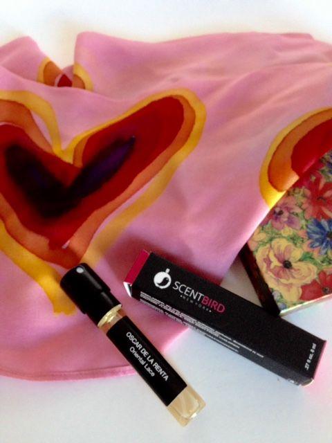 Oscar de la Renta perfume, #Scentbird monthly #fragrance subscription service, #subscriptionbox #perfume via neversaydiebeauty.com