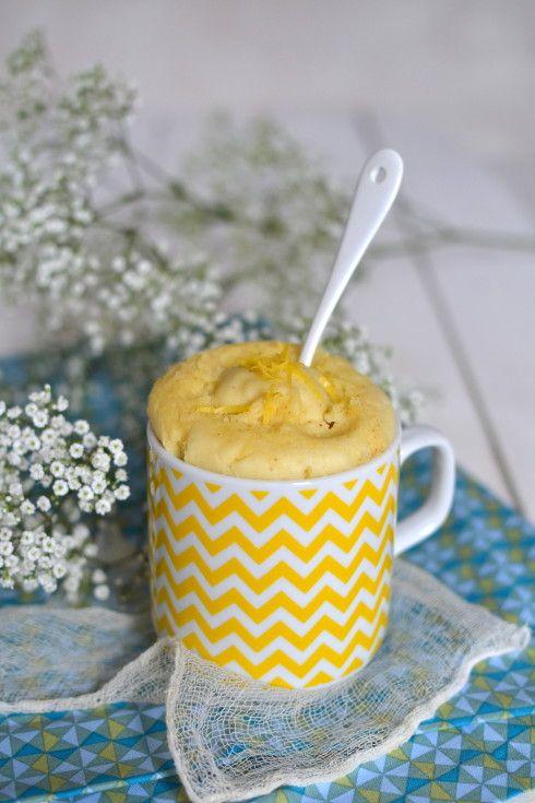 Mug cake végétal au citron {Sans micro-ondes & sans gluten} // Vegan lemon mug cake {gluten & microwave free} >>> http://www.lesrecettesdejuliette.fr
