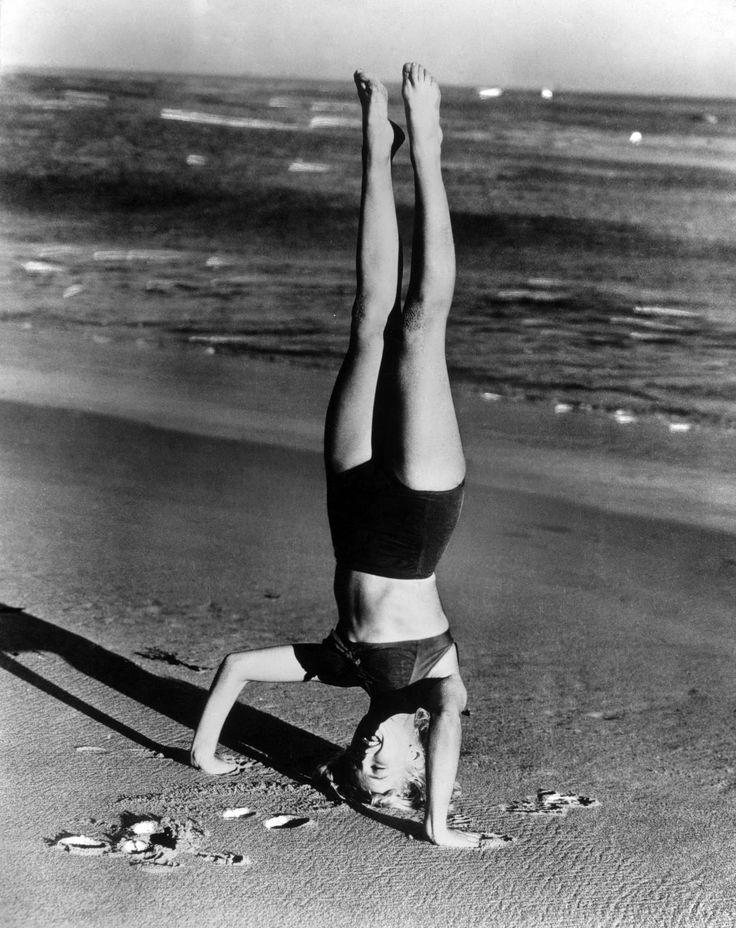 Marilyn Monroe Yoga! Headstand Shirsasana VII