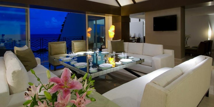I picture my honeymoon in a beautiful hotel room like this in Mexico! Breath taking!