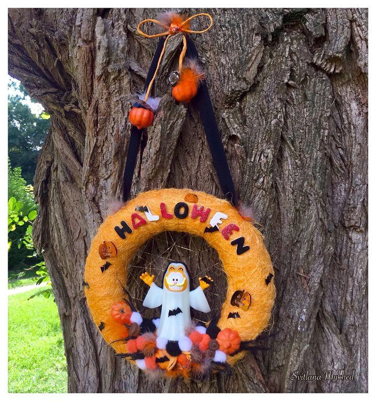"""Couronne décorative Halloween """"Chat Fantôme fluorescente"""" . Couronne de porte d`entree : Accessoires de maison par perles-et-couronnes"""