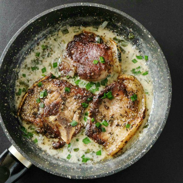 Garlic Sauce Basil Rub Pork Chops