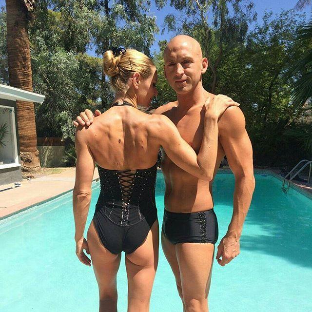 Notre plus beau duo mixte français de natation synchronisée dans leurs maillots réalisés par notre créatrice de choc pour #kazan2015 !