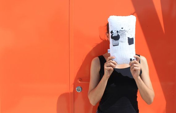 Custom handmade Animals pillow screen printed by #FulanaBeltranaSicrana on Etsy