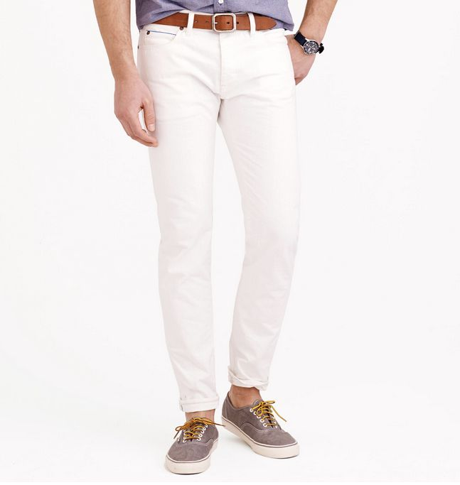 6 White Jeans Men Can Wear (For Real)
