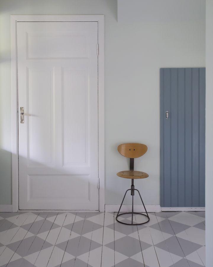 Måla rutigt golv - guide, steg för steg //// Painting a checkered floor - guide with step by step instructions ennui.se