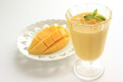 Mango & Avocado make for an awesome one-two punch when combined in smoothie form! Check out this + 6 other amazing ways to incorporate mango into your diet! #MangosRock