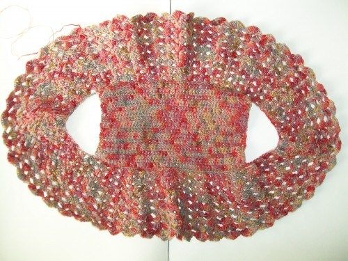 No pattern...make the rectangle (back) first, then the circular section...lovely. (crochet bolero by crochet cricket)