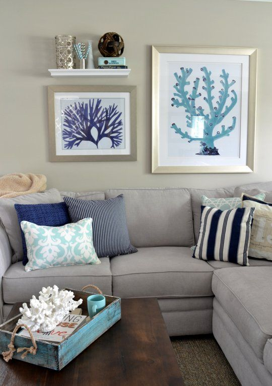 A Suburban Ranch In Illinois Goes #coastal, With Blue And #coral Motif.