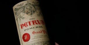 Petrus, le roi de Pomerol http://avis-vin.lefigaro.fr/magazine-vin/o30371-les-grands-crus-classes-valeurs-refuges-pour-les-investisseurs