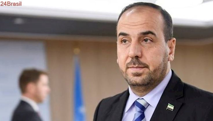 Oposição síria quer pressão da Rússia para acordo em seis meses