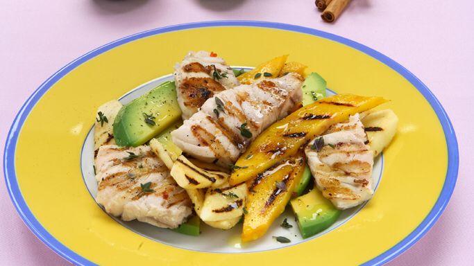 Insalata caraibica di cernia e frutta tropicale