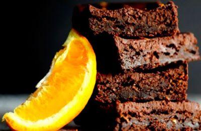 BROWNIE DE CHOCOLATE Y NARANJA