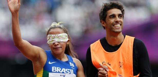 Em pódio todo brasileiro, Terezinha Guilhermina confirma favoritismo e é bicampeã nos 200 m T11