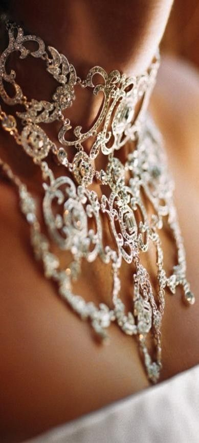Amazing wedding statement crystal necklace
