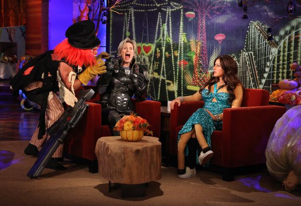 Doesn't need to be #Halloween to #EllenDegeneres scare some people. LMAO! http://wnli.st/1gKaMGK