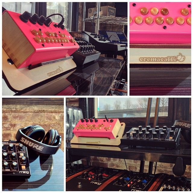 "Displaying @critterguitari #BolsaBass on the OP-Bunny tabletop stand, at the #MoogStore; though we would recommend our ""Hero"" stand in this case ;-) http://cremacaffedesign.com/hero/ • #Cremacaffedesign #musicgear #synth #design #tabletop #stand #Moog #Shure @shureinc"