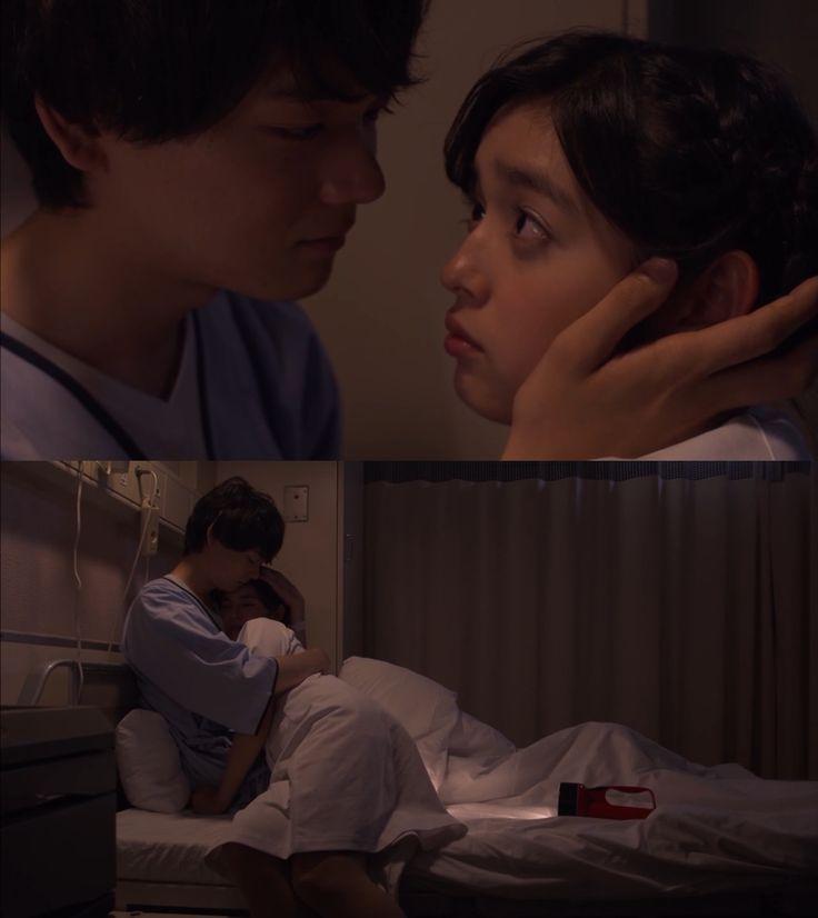 """Naoki: """"Mientras he estado aquí me di cuenta de como se sienten los pacientes y como trabajas de duro""""- se besan- """"Una enfermera y su paciente, esto es...un poco sexy"""" - Itazura na Kiss Love in Tokyo 2, Episodio 15"""