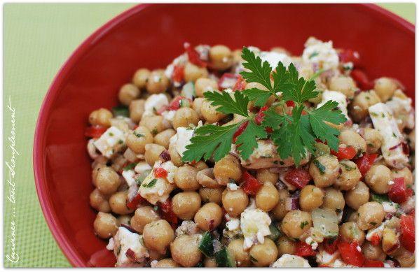 Cette recette, je l'ai trouvé sur le site : la cuisine marocaine ... j'ai été séduite par le mélange pois chiches, fêta. Toute la petite famille a adoré ... à refaire sans hésitations. Ingrédients ( pour 4 personnes ) 400g de pois chiches égouttés et...