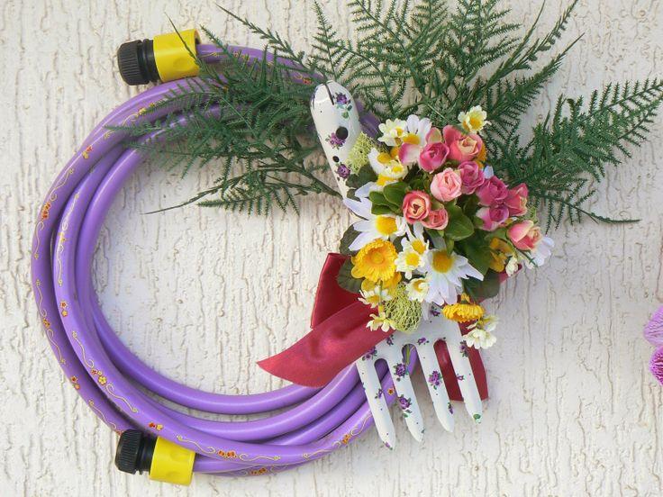 Εύρηκα, το στεφάνι λάστιχο κι ένα ανεκτίμητο δώρο! ~ Art Decoration and Crafting
