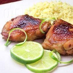 Frango ao mel e limão @ allrecipes.com.br - Esta é uma mistura de sabores simples, mas deliciosa. Se você tiver tempo, deixe marinando durante a noite. Sirva com uma salada verde.