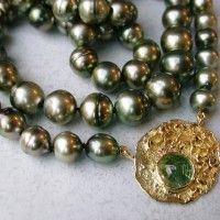 Mooi zwarte parels Tahiti collier zeldzaam mooi met gouden slot 18karaats met toermalijn afbeeldingen atelier12hoven Arnhem