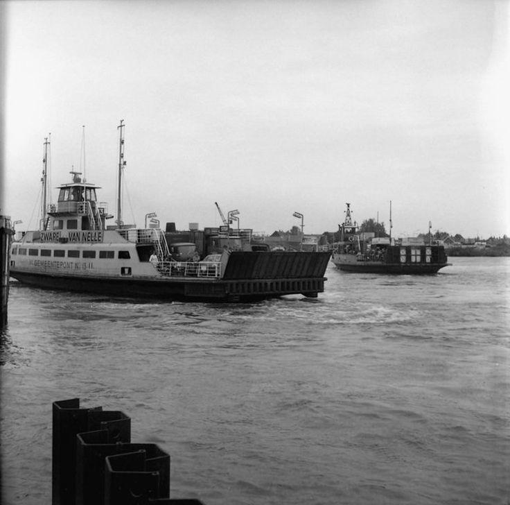 Veerdiensten 's-Gravendeel (jaartal: 1970 tot 1980) - Foto's SERC