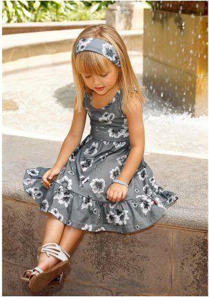 Платье - http://www.quelle.ru/Brands/ColorsforLife/ColorsforLife_girls/Komplekt-plate-i-povyazka-dlya-volos__m244243.html?anid=pinterest&utm_source=pinterest_board&utm_medium=smm_jami&utm_campaign=board4&utm_term=pin40_04042014 Очаровательное легкое платье с цветочным принтом. #quelle #girl #dress #flower #print #summer