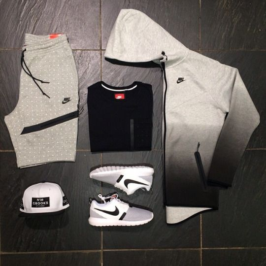 ✖️Nike Tech Windrunner Grey Fade Hoody £85 ✖️Nike Pocket Black Top £35 ✖️Nike Tech Fleece Grey Polka Dot Shorts £55 ✖️Nike Roshe Run NM BR £75 ✖️Crooks & Castles Box 38 White SnapBack £35