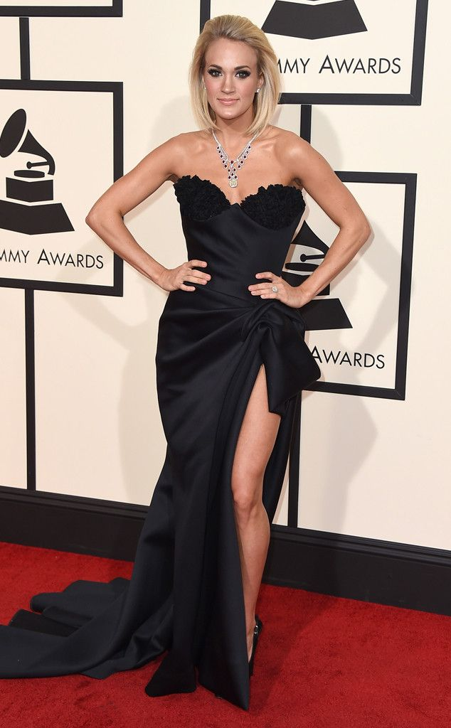 Red Carpet #fashion review: Grammy's   Carrie Underwood in black high slit sweetheart gown   The Luxe Lookbook