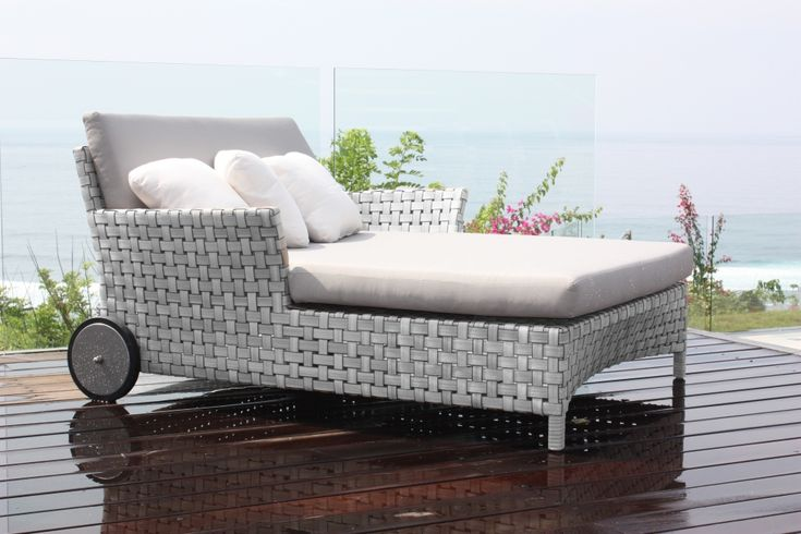 Cielo Daybed. Skyline designed daybed, grey woven rattan into the perfect daybed for relaxing. #OutdoorDaybed #GardenDaybed #CommercialDaybed #GreyRattanDaybed #SkylineDaybeds #OutdoorGreyRattanDaybeds #RattanGardenFurniture