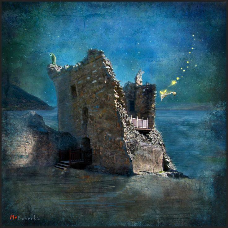 'The Castles Nighttime Secret' ;Loch Ness ; Scotland; illustration; www.matyldakonecka.com