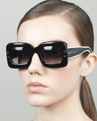 WANT! Large Square Sunglasses, Black by  Marc Jacobs Intl  Neiman Marcus · Óculos  Escuros ... a184f71238