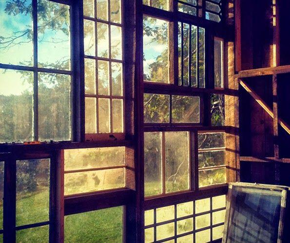 casamitjana15 espai de creació: La casa de las ventanas recicladas por Nick Olson & Lilah Horwitz