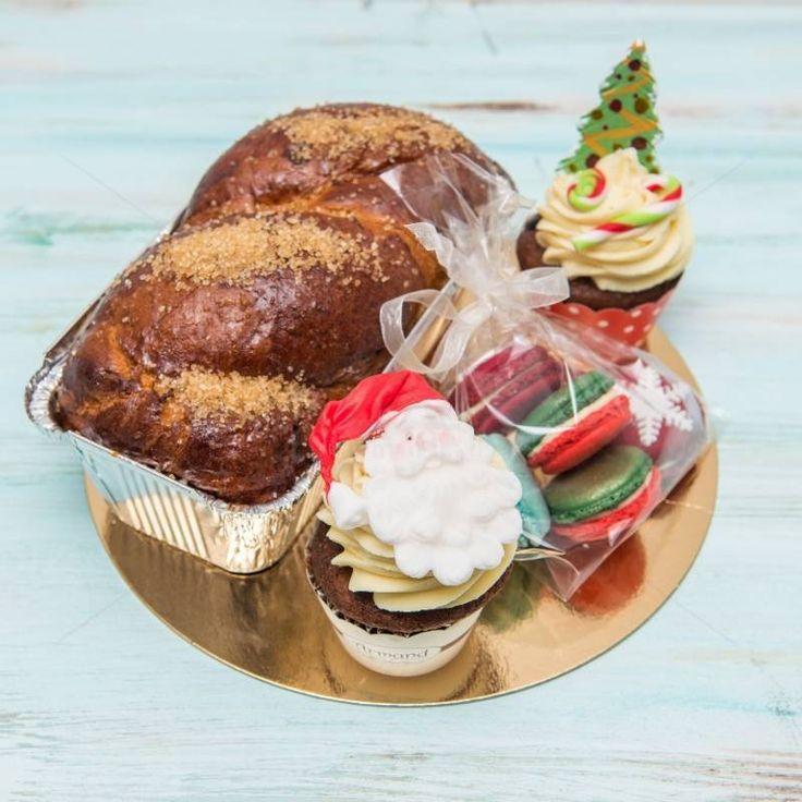 Cadoul perfect pentru Craciun, un mini pachet care aduce impreuna cele mai delicioase produse tradionale. Poate fi cadoul potrivit pentru membrii familiei, partenerii de afaceri sau chiar pentru prietenii tai.    Pret: 82 lei