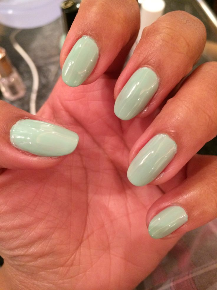 Soft cream soda green nails #Chic #justmarried