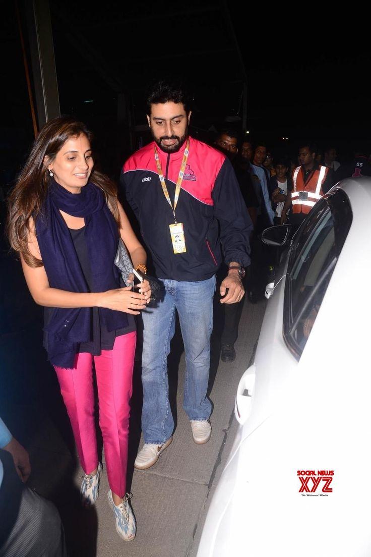 "Mumbai: Sachin Tendulkar,Abhishek Bachchan,Aishwarya Rai Bachchan and Rakeysh Omprakash Mehra during the red carpet of ""Pro Kabaddi"" - Social News XYZ"