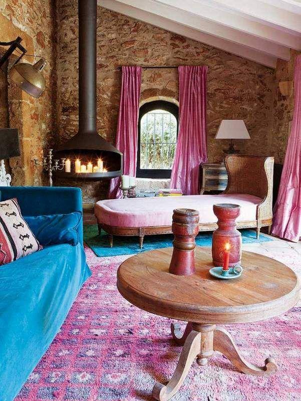 Decoración casa rústica en colores vivos