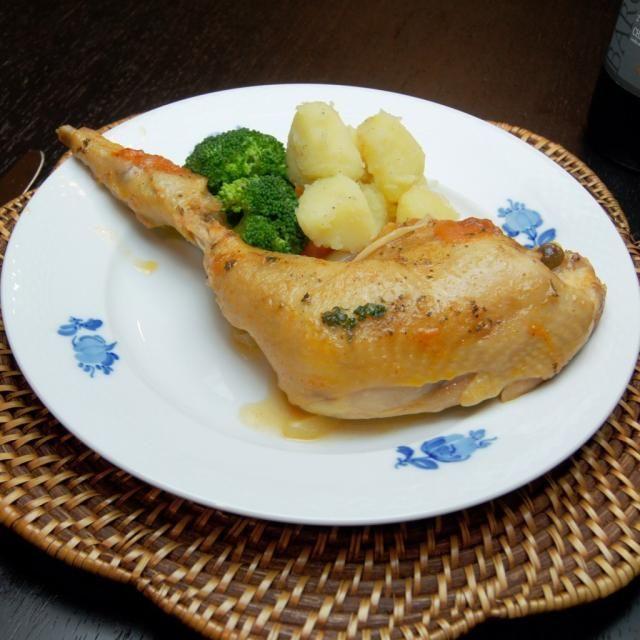 匠赤鶏を使った「チキンのプロヴァンス風」のご紹介です。レシピも用意しているので、ご覧ください!今回は純系名古屋コーチンと匠赤どりの専門ショップ「コケコッコ村」の匠赤鶏骨付きもも肉を使った料理となっています。 - 93件のもぐもぐ - チキンのプロヴァンス風(コケコッコ村) by 楽天市場のグルメ