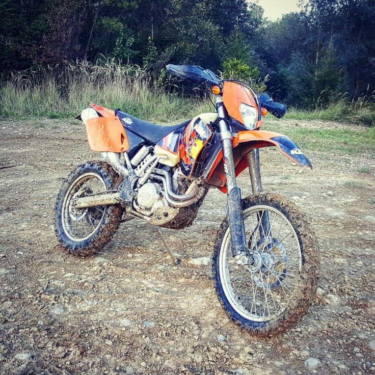 KTM EXC 520 get dirty. That's how it has to be.