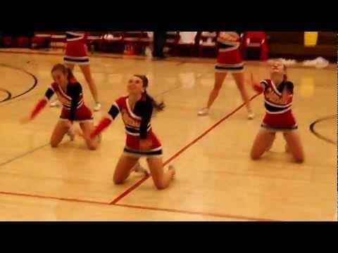 Oakdale High School Mustangs Varsity Cheerleaders Halftime - YouTube