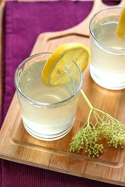 Socata (Romanian for elderberry drink).