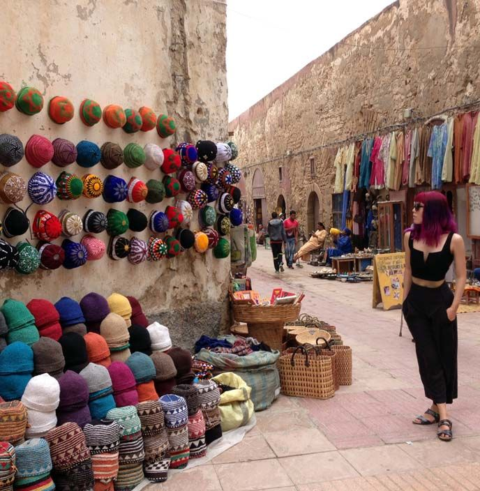 La Carmina's Morocco travel video is out! Goats on trees, argan oil, Berber cooking classes and more - see it here! http://www.lacarmina.com/blog/2016/01/berber-family-homestay-cooking-lessons-essaouira-morocco/  Essaouira street vendors, colorful moroccan market