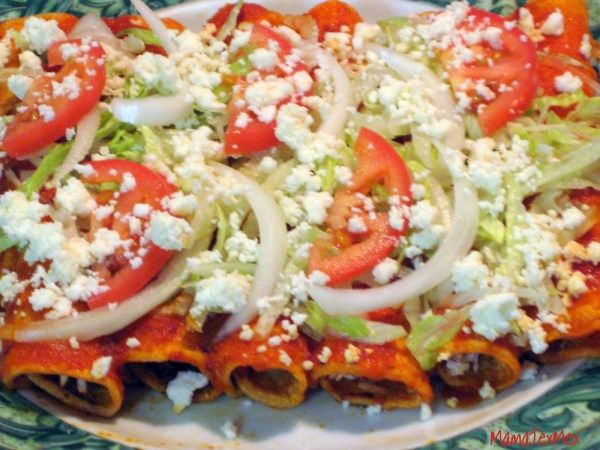 Receta: Enchiladas Rojas de Pollo / How to make Chicken Enchiladas