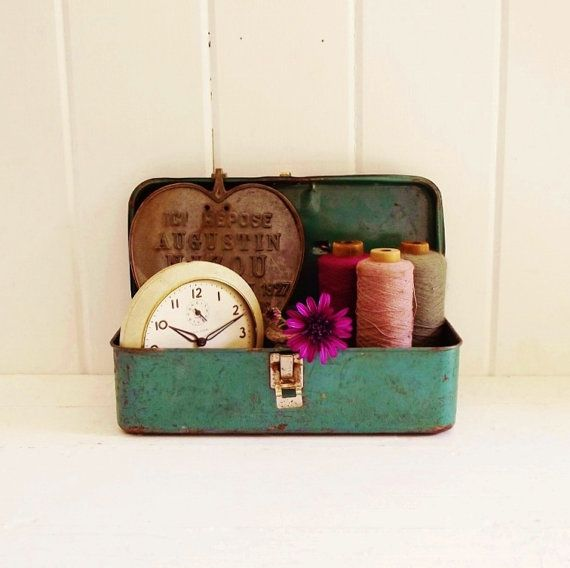 Vintage Metal Tool Box by thepetitemarket on Etsy, $12.00 I love old and rusty metal boxes, especially in green.