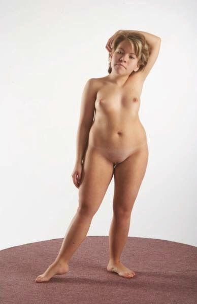 3D human referenses: Andela Lilliputian Standing