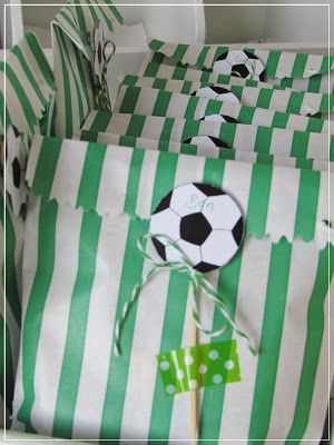 """Meine rosarote Seite: Fußball Party & """"Schönhaberei"""""""