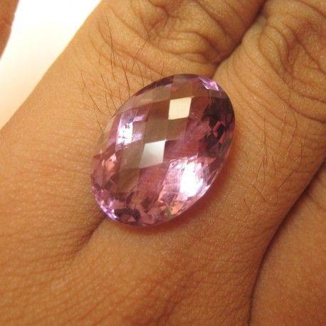 Oval Violetish Purple Amethyst 14.00 carat untuk Cincin Para Foto Model